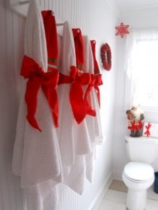 How to Make the Prettiest Christmas Bathroom
