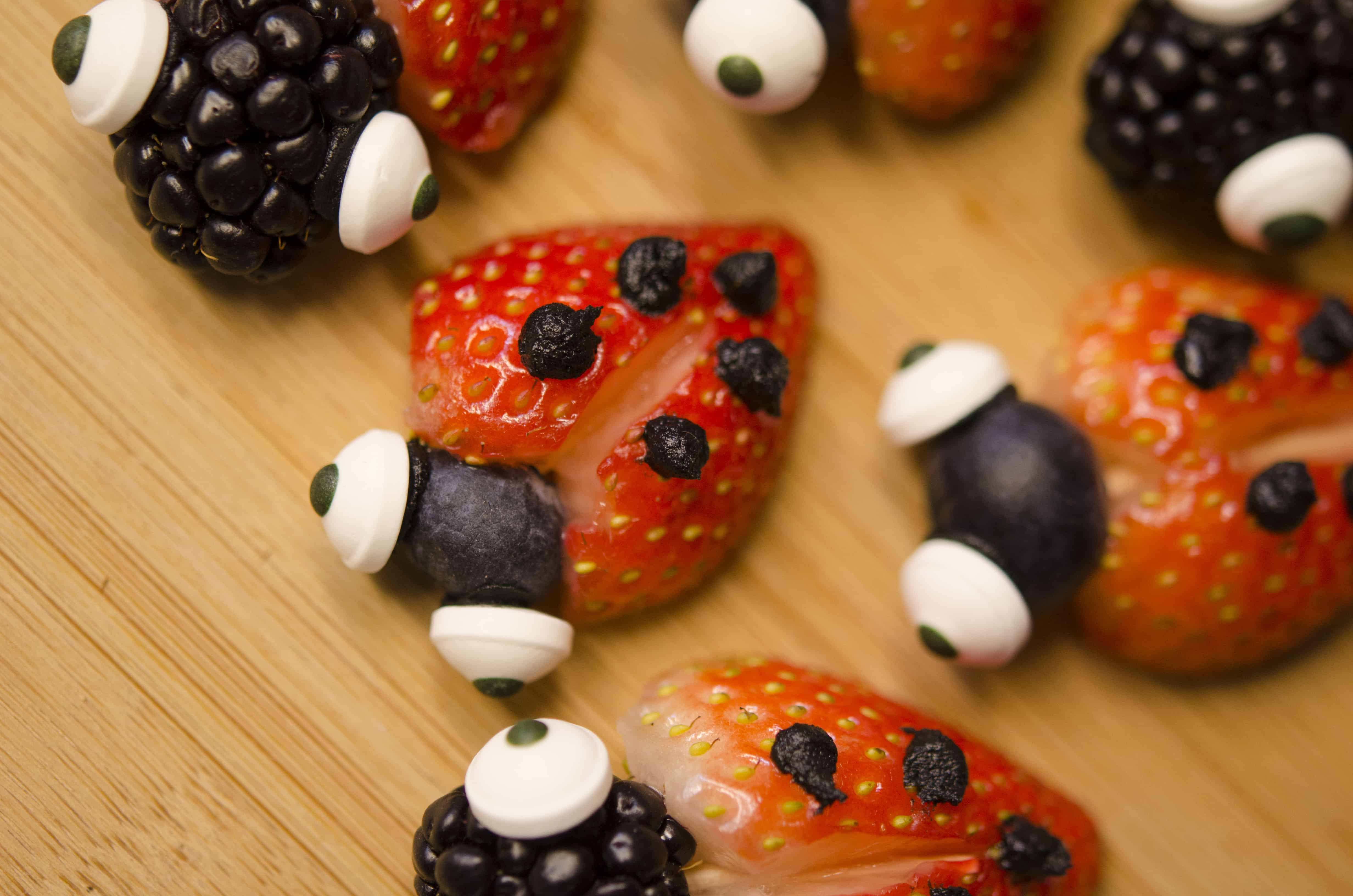 Healthy Snack For Valentine's Day ~ Fruit Lovebugs
