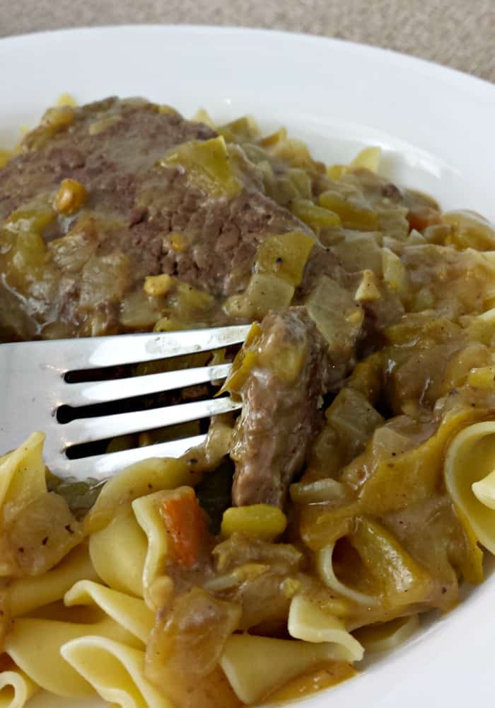 Easy Beef Recipe - Cube Steak With Green Chili Gravy ...