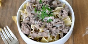 Easy Beef Stroganoff With 6 Ingredients