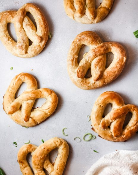 Easy Homemade Chewy pretzels